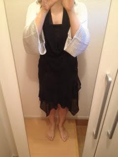 黒のドレスとボレロ着画
