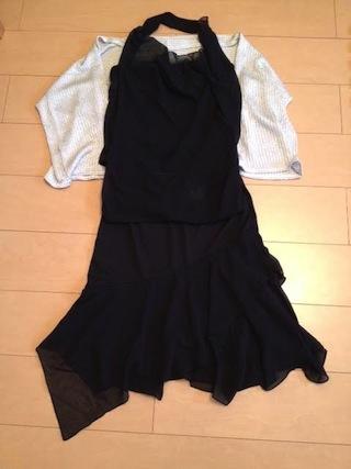黒のドレスとボレロ