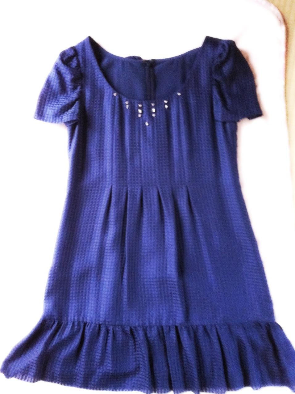 サファイア色のドレス