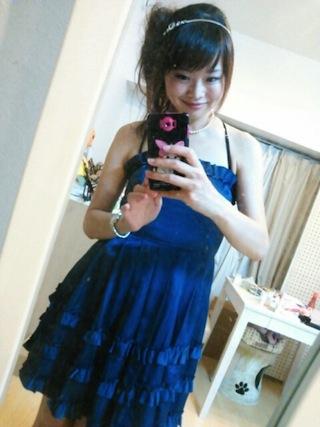 紺のチューブトップドレス