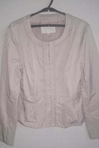 白のジャケット