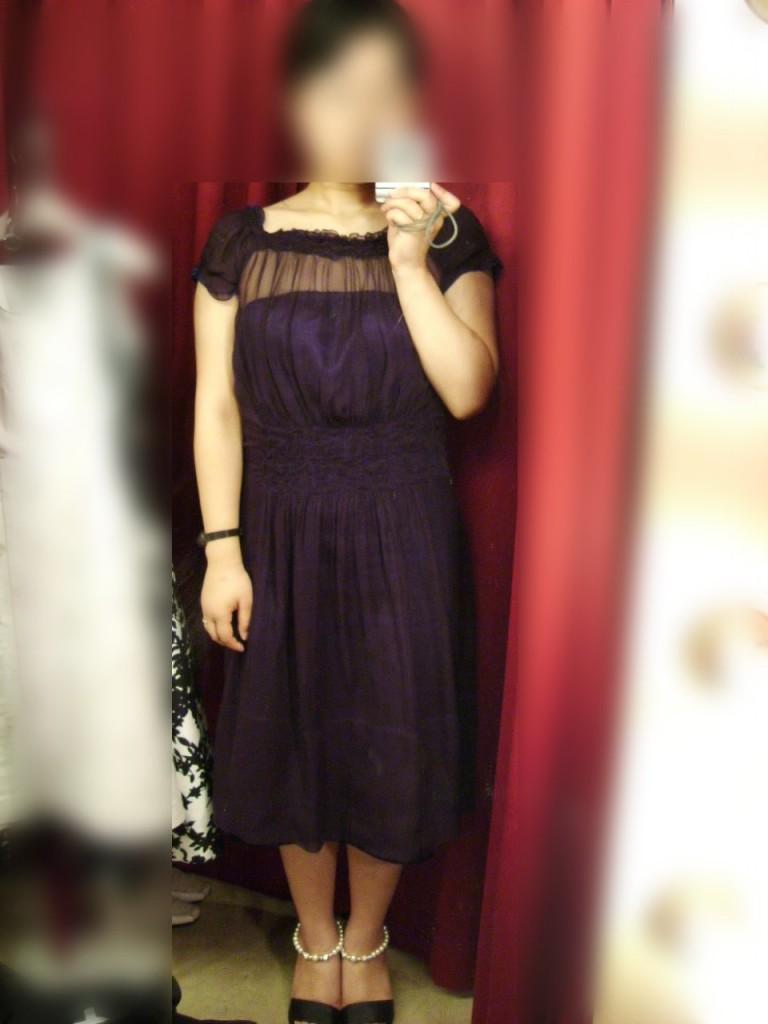 パープルのドレス