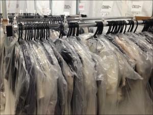 ドレス倉庫