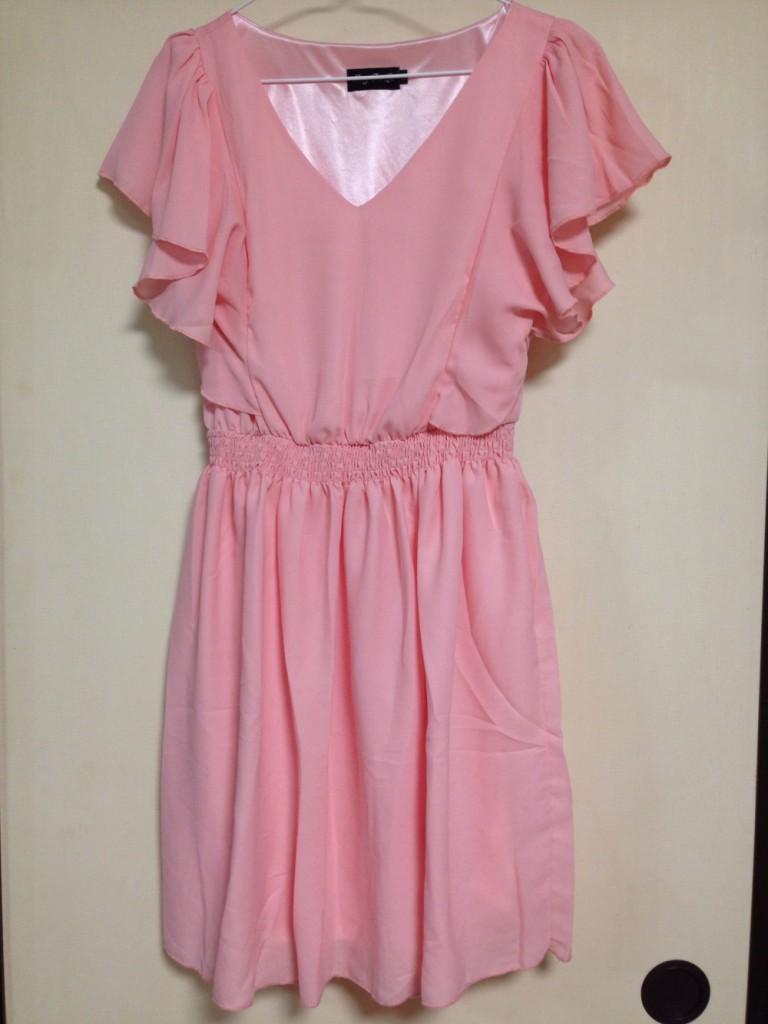 クリーミーピンクのドレス