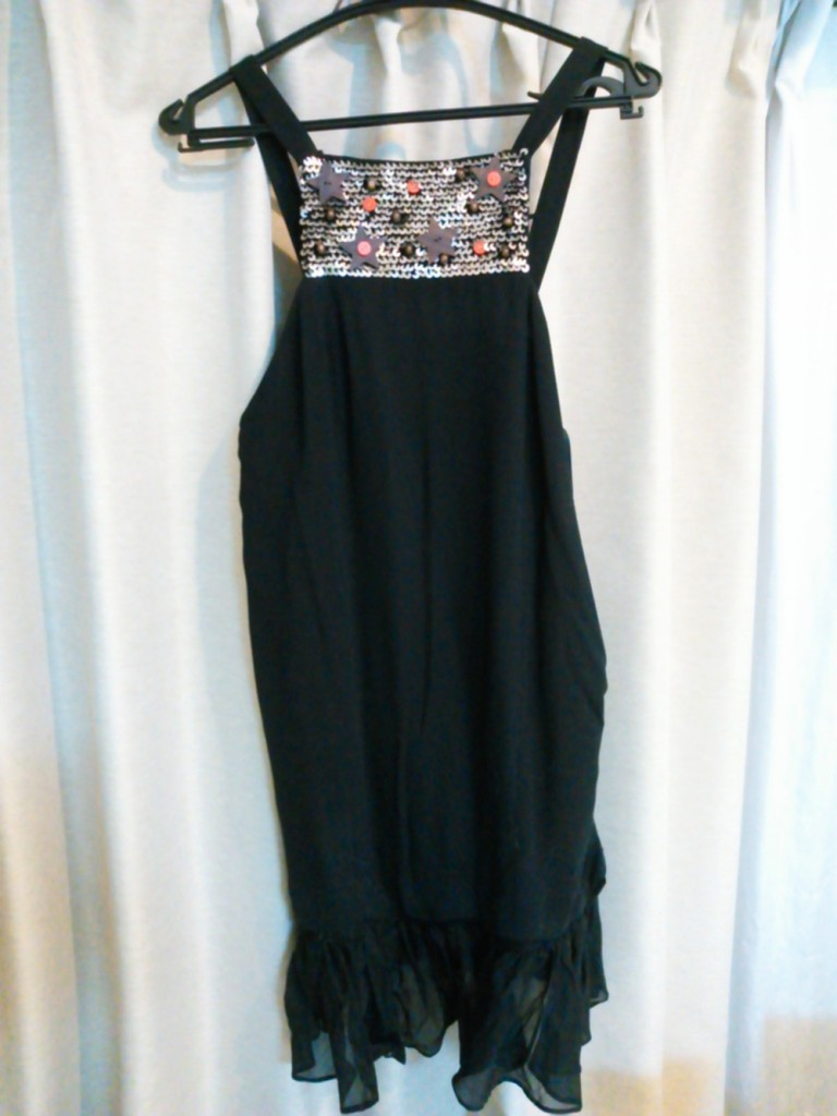 黒のセクシーワンピースドレス