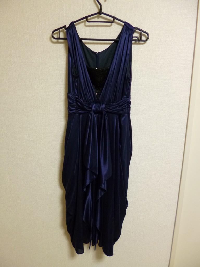 ブルーのコクーンドレス