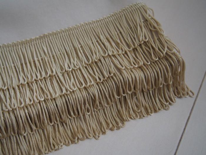 裾のフリンジ