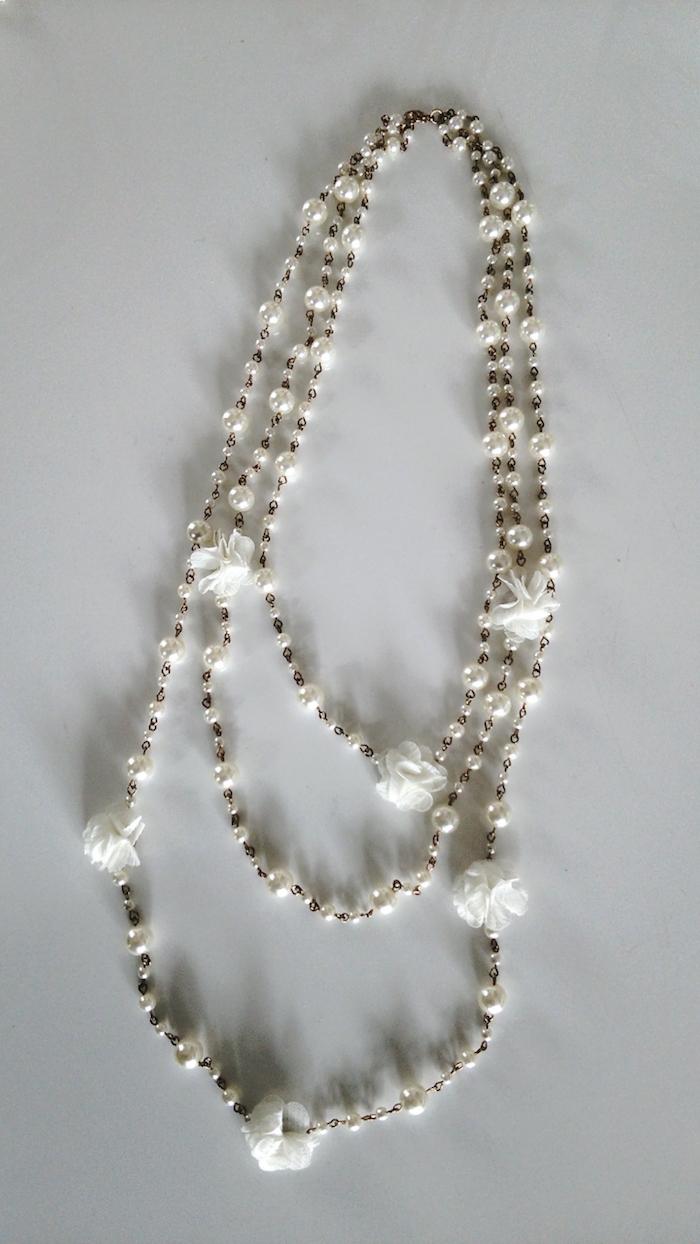 ホワイトパールのネックレス
