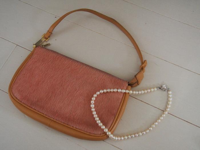 ハラコ素材の小さい鞄