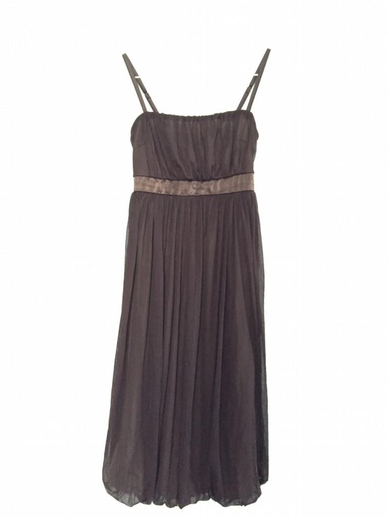 ブラウンのキャミソール型ドレス