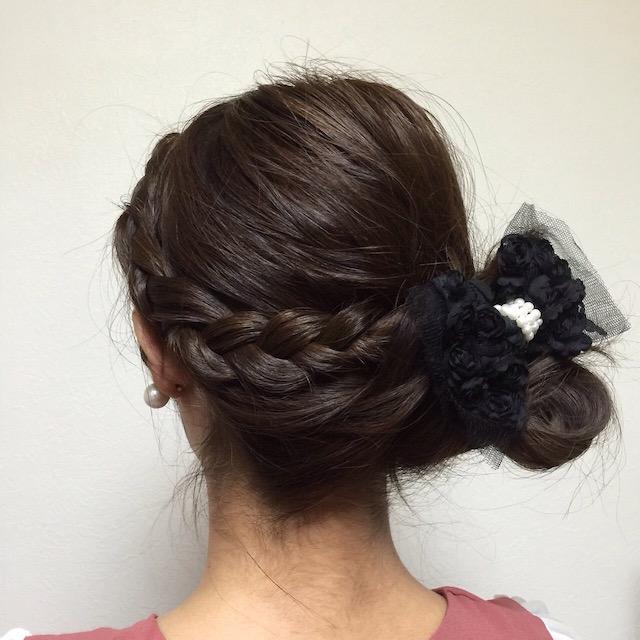 チュールリボンバレッタ_三つ編みサイドおだんごヘア