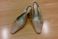 ベージュ靴